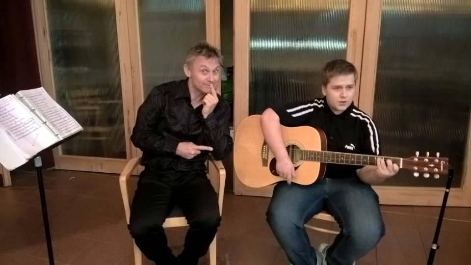 Svojí první písničku zazpíval i Standa Domjen